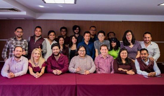Más de mil jóvenes renuncian al PRD, se suman a Morena