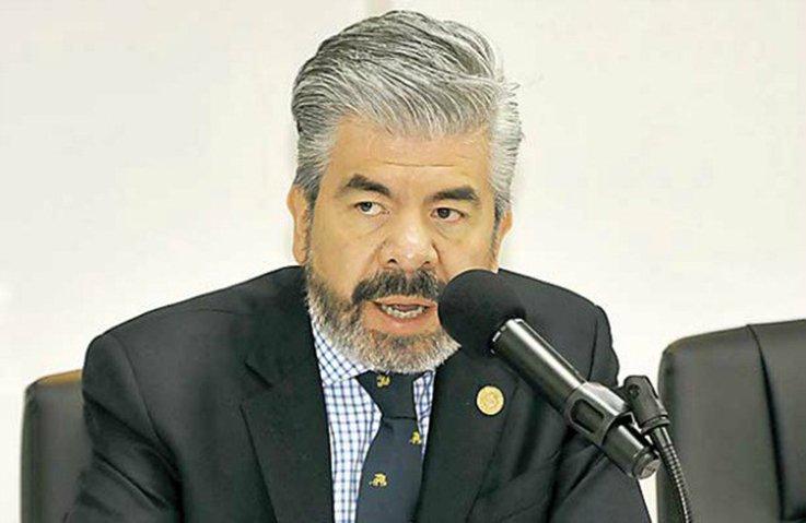 Dos izquierdas, una autoritaria y otra democratica: Raul Flores