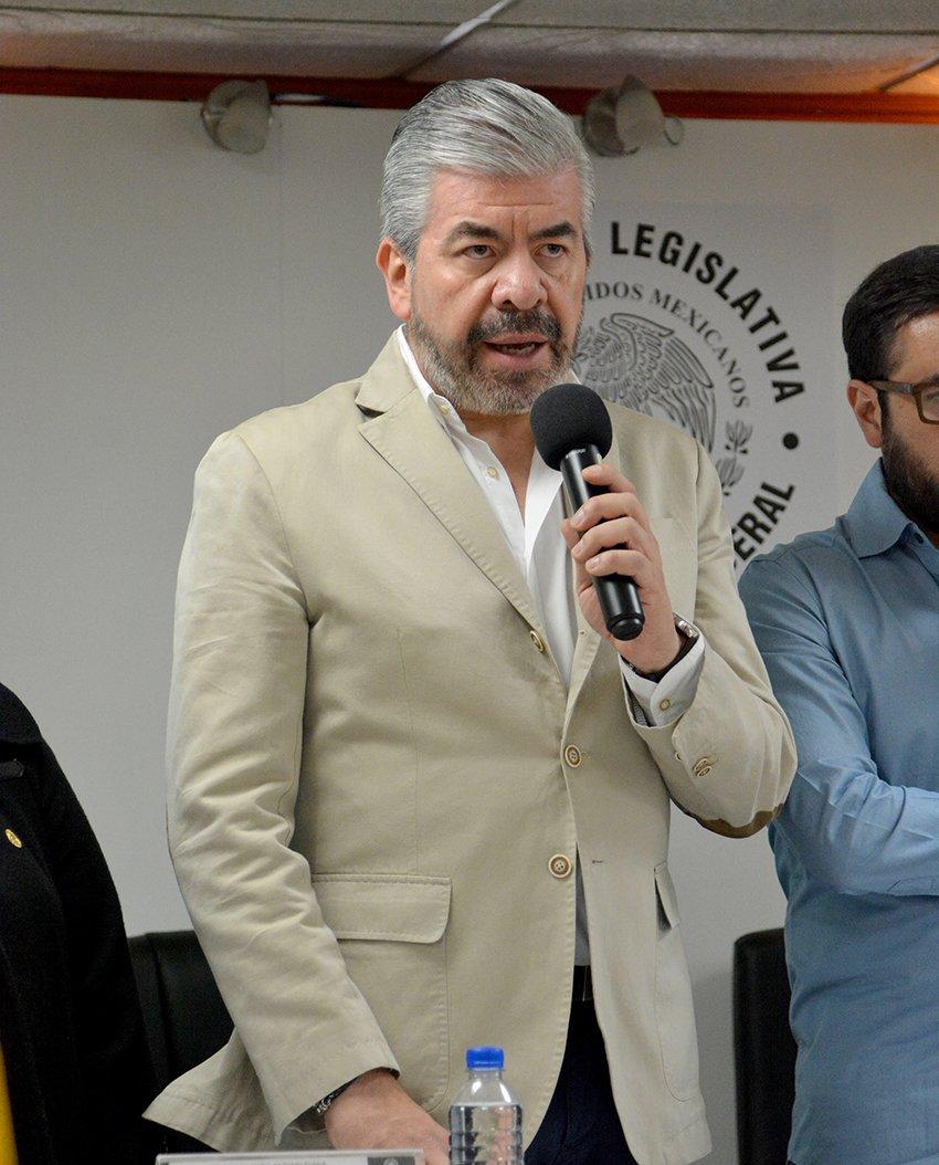 Un error que perredistas se acerquen a Monreal: Raul Flores
