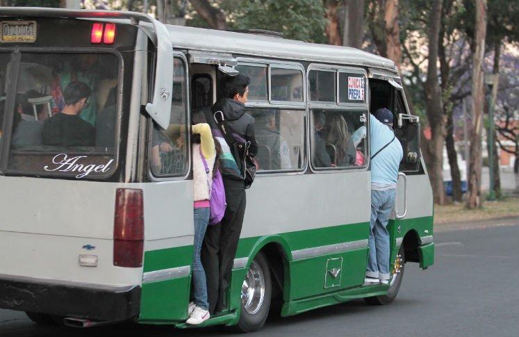 Sube un peso tarifa del transporte publico