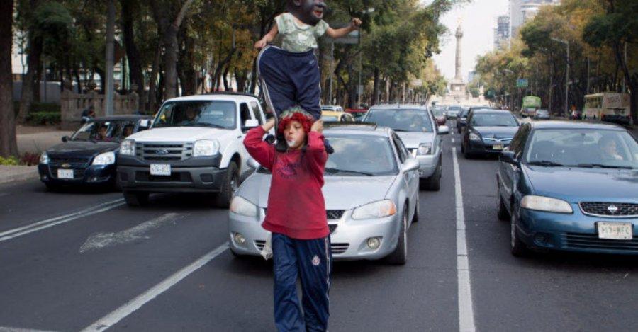 Rescatan a ninos que trabajan en la calle