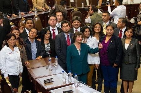 En suspenso sancion contra diputados