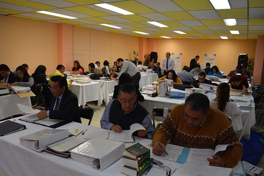 Certifican a 77 fiscalizadores del gobierno capitalino