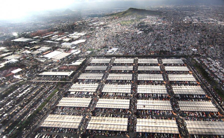 El mercado mas grande del mundo resiste tres decadas de sismos