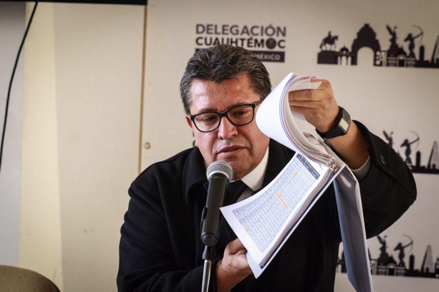 Monreal se lanza contra Claudio X. Gonzalez; lo acusa de lavado de dinero