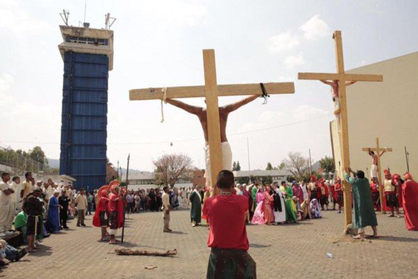 Catolicos entre 70 y 80 por ciento de los reclusos: Rebeca Peralta
