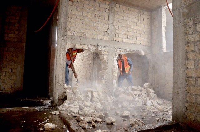 Demoleran 32 construcciones irregulares en CDMX