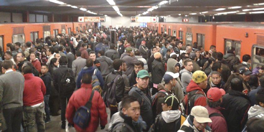 Irresponsable y oportunista, reducir tarifa del Metro