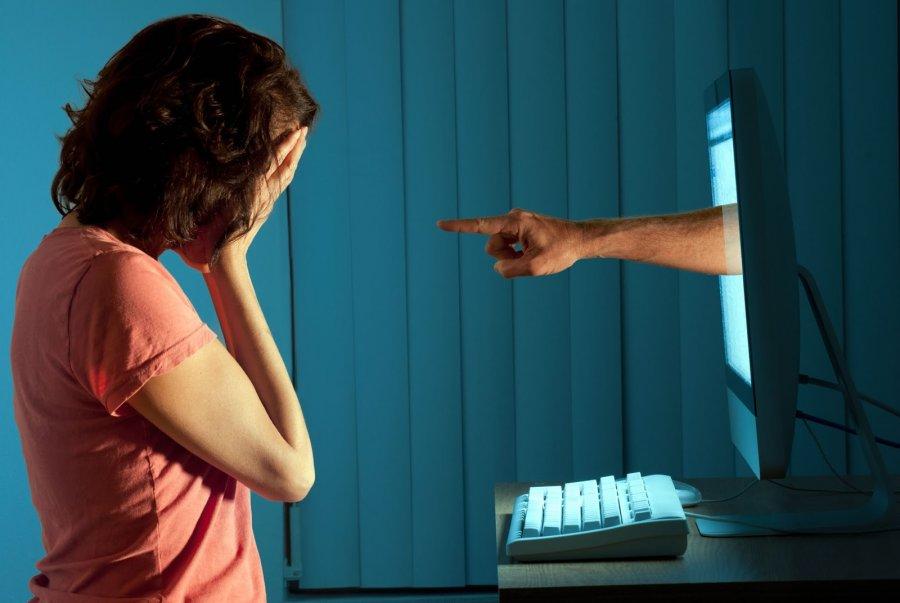 Urge asambleista tipificar difusion de fotografias de victimas de acoso