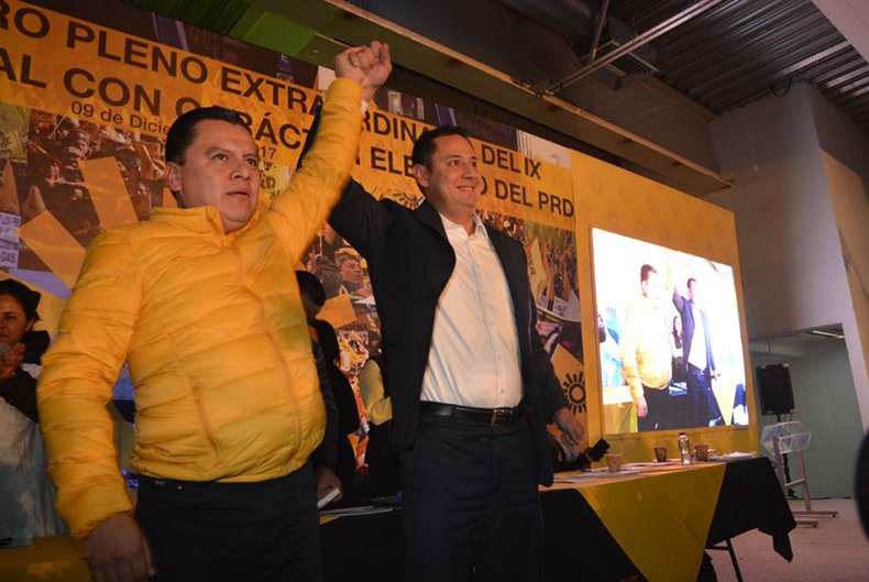 Manuel Granados llega a la dirigencia perredista