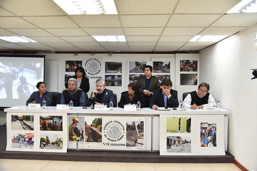Destitucion contra Salgado sigue: Raul Flores