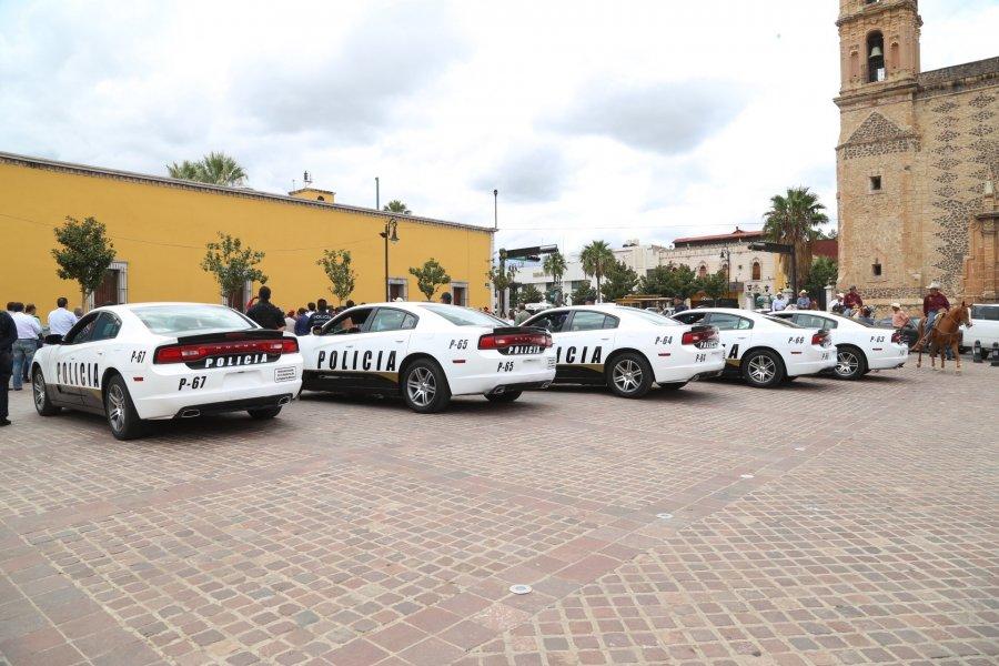 Dona Mancera patrullas en Chihuahua; es publicidad en estados, acusa Morena