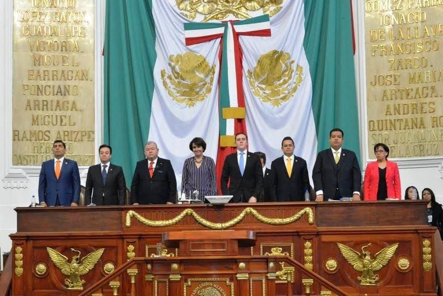 Atestigua GCDMX entrega de nueva Constitucion