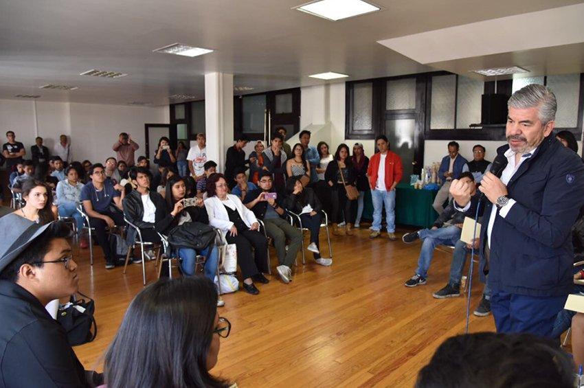PRD debera reformarse rumbo al 2018: Raul Flores