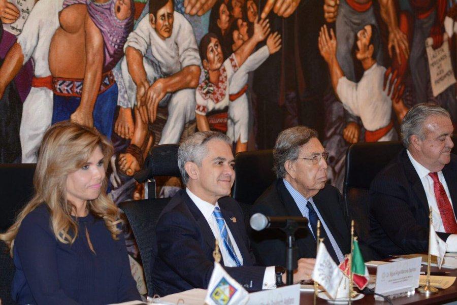Se cuelan gobernadores en el trato con la OEA