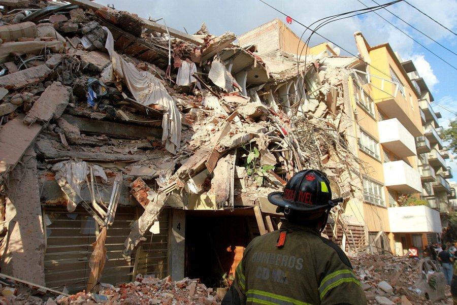 La cifra aumenta, ya son 225 muertos tras sismo