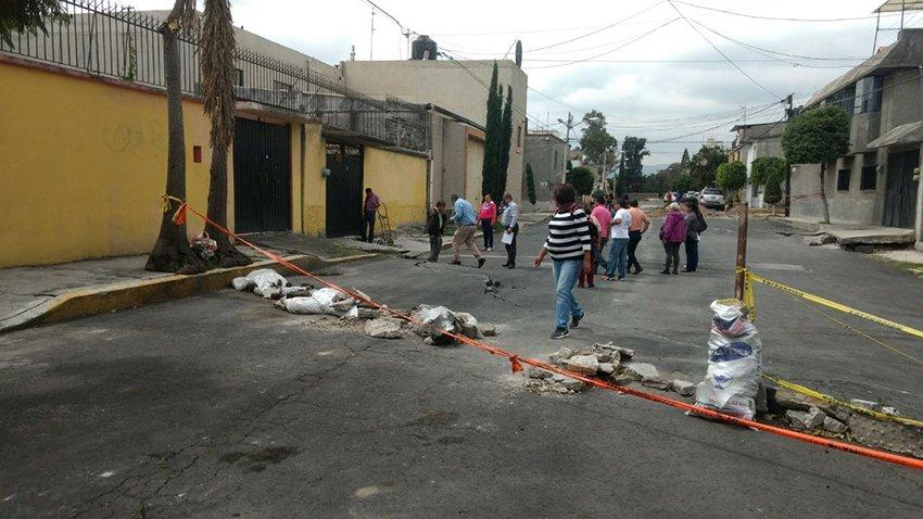 Reconstruir Tlahuac y Xochimilco requiere union: Leonel Luna