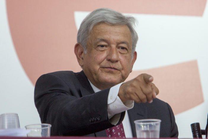 Ofrece Lopez Obrador bolsa de trabajo a los leales