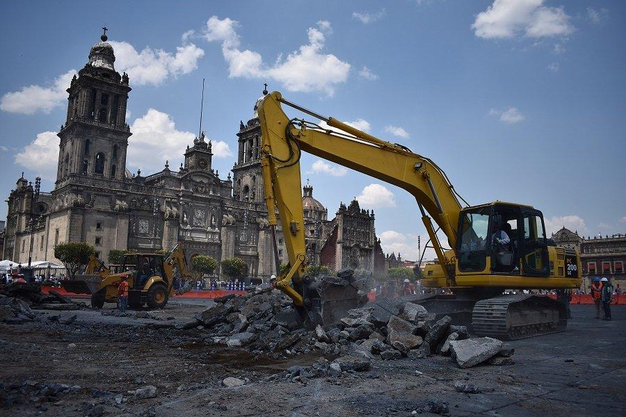Retiran areas danadas del Zocalo