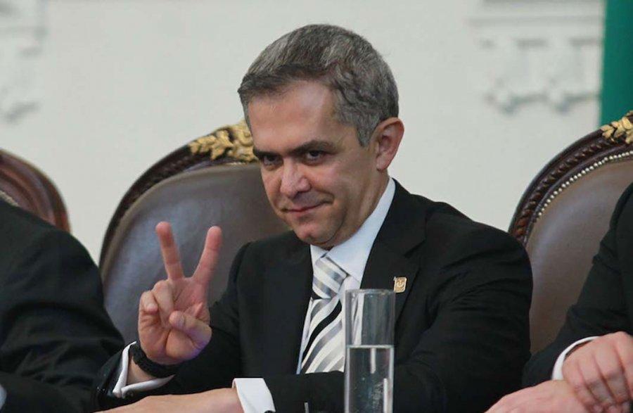 Cambian ley, Mancera elegira Secretario Anticorrupcion