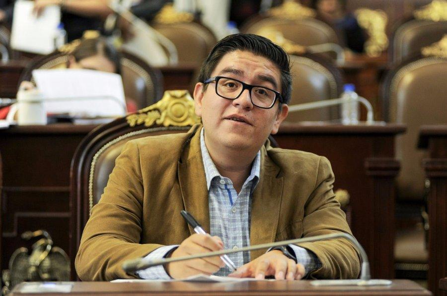 Diputado de Morena se queja por malos tratos de la delegacion Azcapotzalco