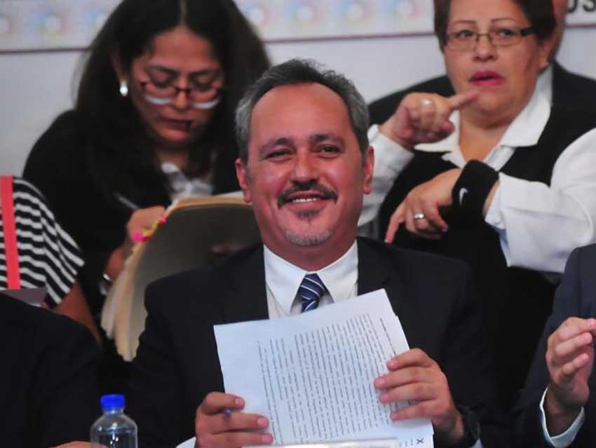Sacar al delegado de Tlahuac es posible, pero esta en chino