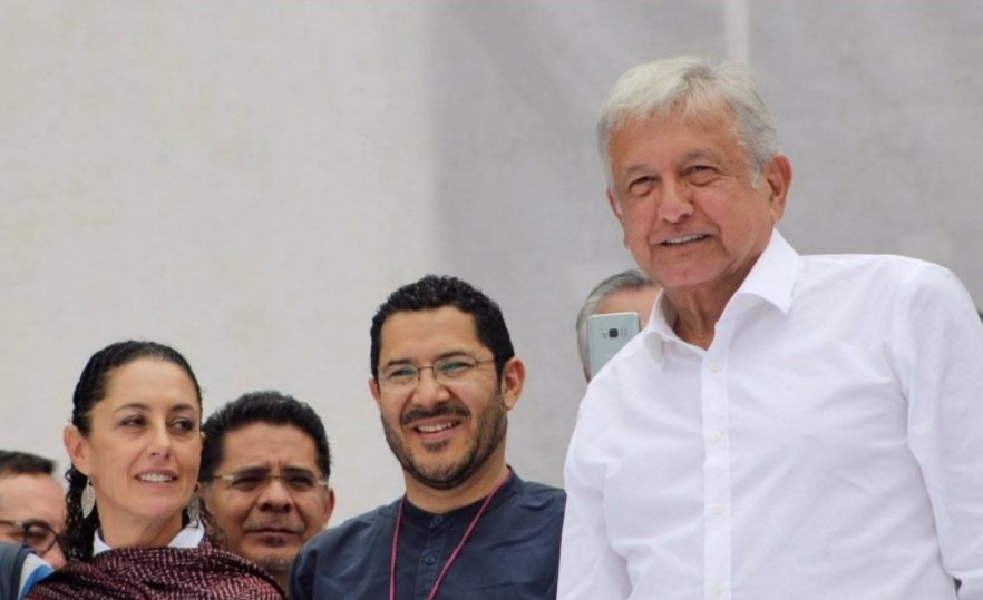 No todo son candidaturas, lo importante es hacer historia: Lopez Obrador