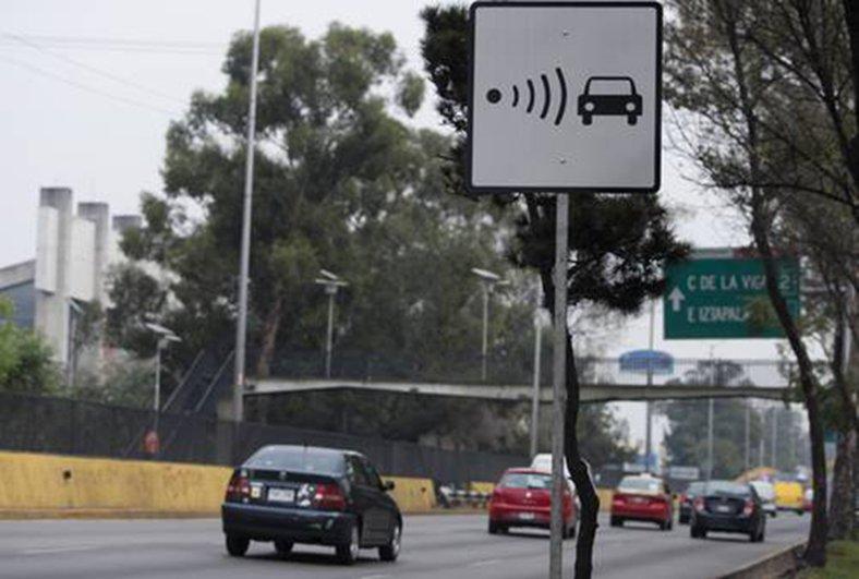 Dinero de fotomultas para reconstruccion vial y peatonal