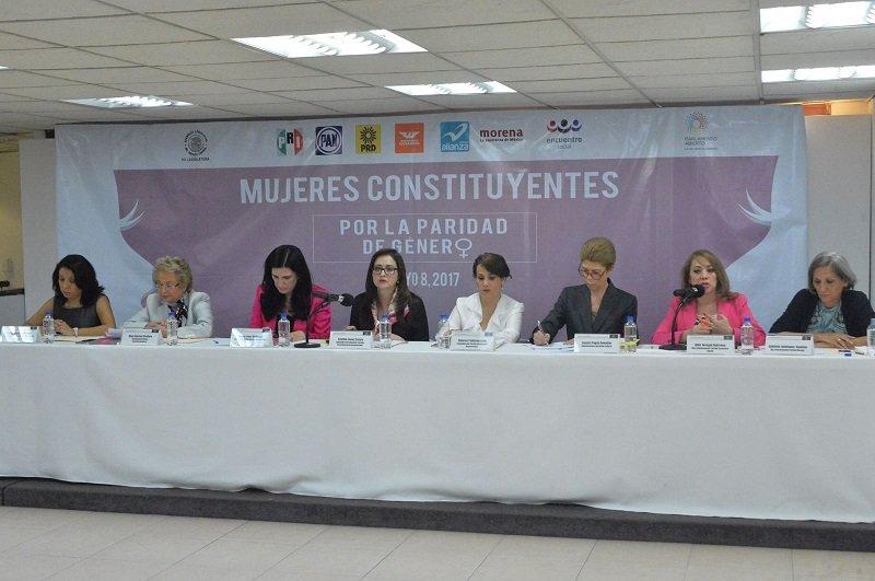 Se unen mujeres constituyentes por paridad electoral