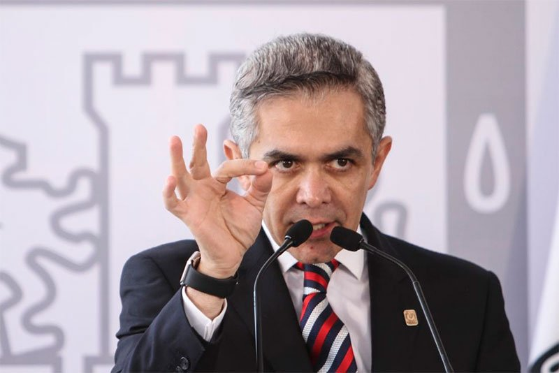 Propone Mancera desaparecer Comision Nacional de Salarios Minimos