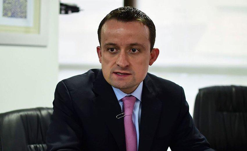 ¿Mikel Arriola es un reguetonero?:Cesar Cravioto