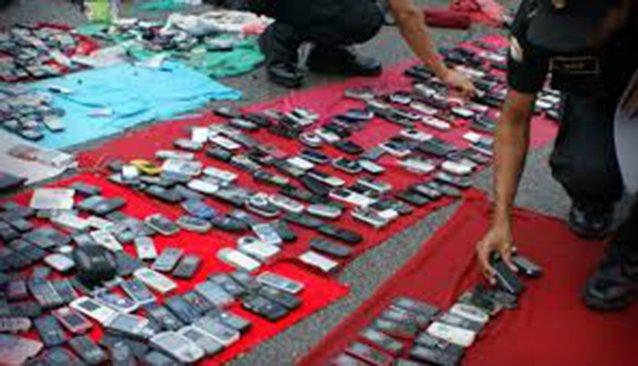 Mancera plantea normar venta de celulares usados