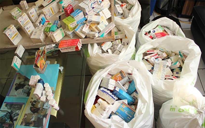 Decomisan 55 kilogramos de medicamentos en tianguis de Iztapalapa
