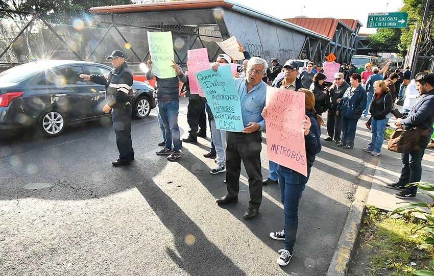 Vecinos de Iztacalco demandan conocer el proyecto de ampliacion de Linea 5 del Metrobus