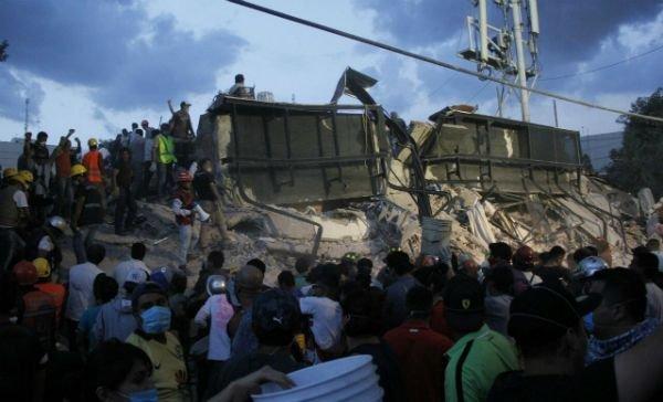 Suman 52 personas rescatadas en la CDMX