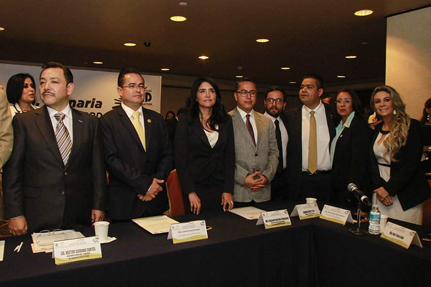 La Constitucion no esta en riesgo: Leonel Luna